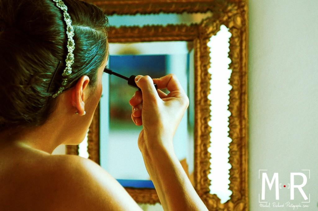 Mariage-preparatifs-maquillage-miroir